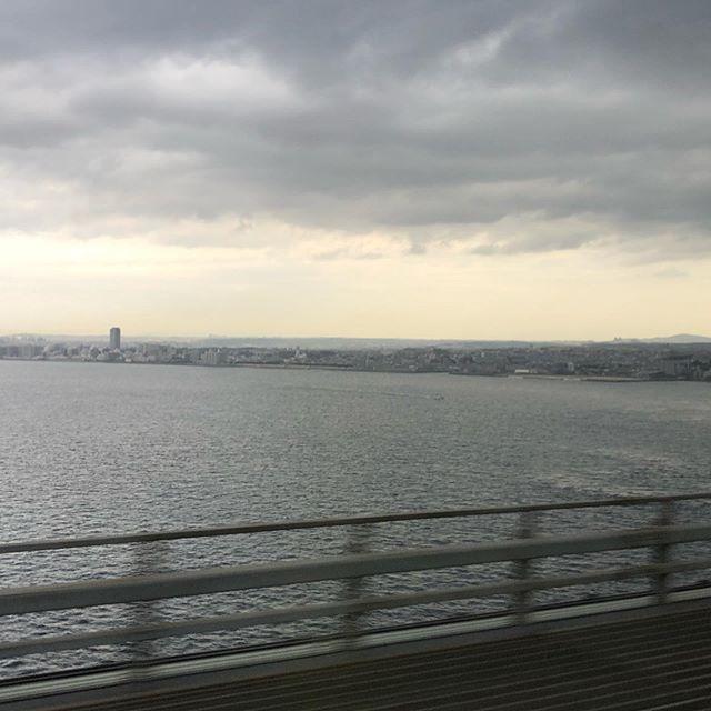 3泊4日大阪出張雨が降るからかな?いつもと比べてどんよりした天気です。#明石海峡#学びは楽しい#アウトプットが一番大事#こう見えて#東かがわ市#市議会議員#山口大輔